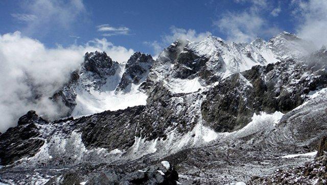 Горы в Таджикистане. Архивное фото