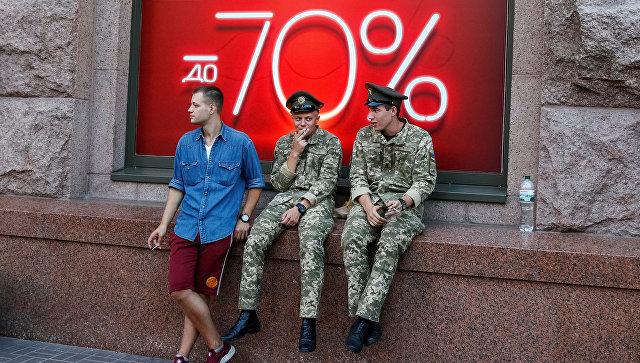 Украинские военнослужащие во время репетиции военного парада в Киеве. 20 августа 2018