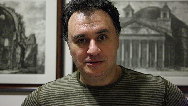 Архитектор и художник Максим Атаянц