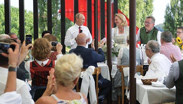 Украинский политик ушел в отставку из-за поездки Путина на свадьбу...