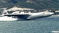 Взлет с воды самолета-амфибии А -40 (Альбатрос)