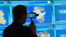 В информационном центре Центральной избирательной комиссии РФ в единый день голосования. Архивное фото