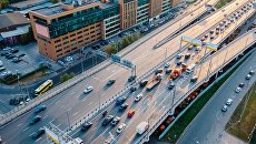 Движение на Звенигородском шоссе в Москве, архивное фото