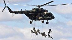 Вертолет с военнослужащими на забайкальском полигоне Цугол. 13 сентября 2018