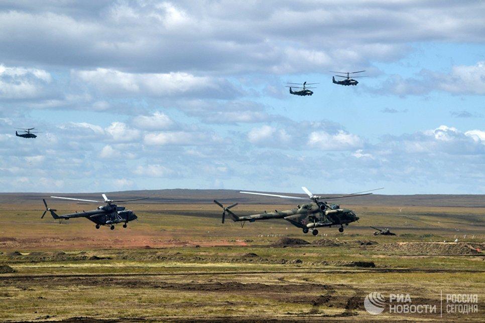 Основной этап военных маневров российских и китайских вооруженных сил Восток-2018 на полигоне Цугол в Забайкальском крае