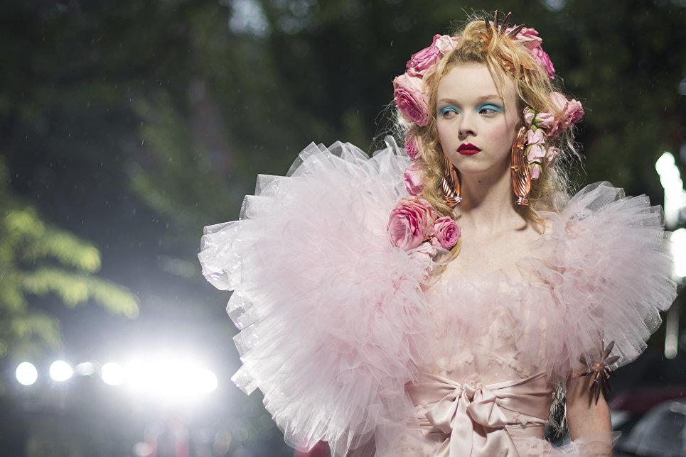 Показ коллекции Rodarte в рамках Недели моды в Нью-Йорке