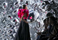 Показ коллекции Naeem Khan в рамках Недели моды в Нью-Йорке