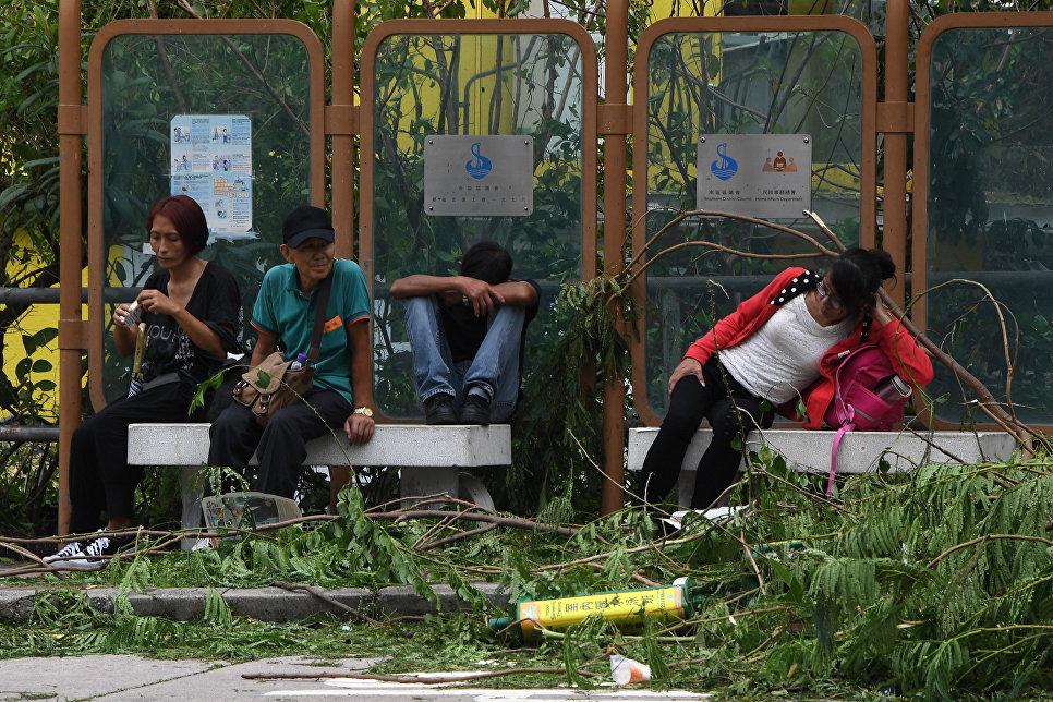 Последствия тайфуна Мангхут в Гонконге. 17 сентября 2018 года