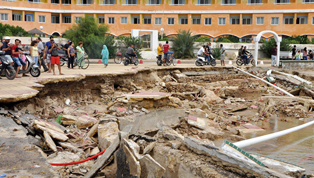 Последствия наводнения в Тунисе