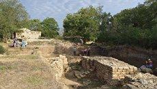 Раскопки на месте древнего города Тиритака в Керчи. Архивное фото