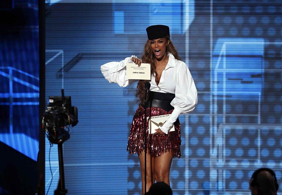 Тайра Бэнкс на церемонии награждения American Music Awards в Лос-Анджелесе