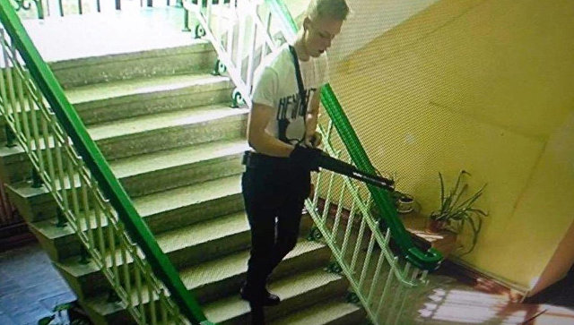 """Керченский стрелок в день убийства надел футболку с надписью """"Ненависть"""""""