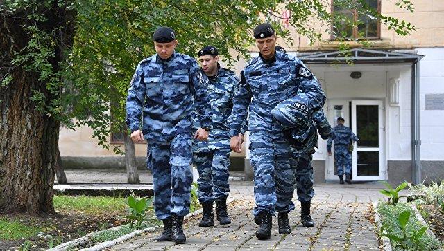 В Керчи продлили усиленный режим охраны учебных заведений