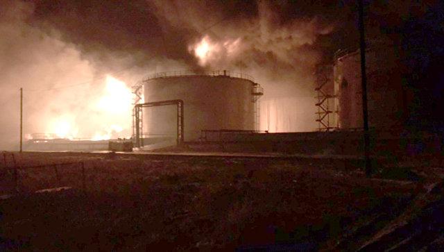 В Югре завели дело после пожара на нефтебазе