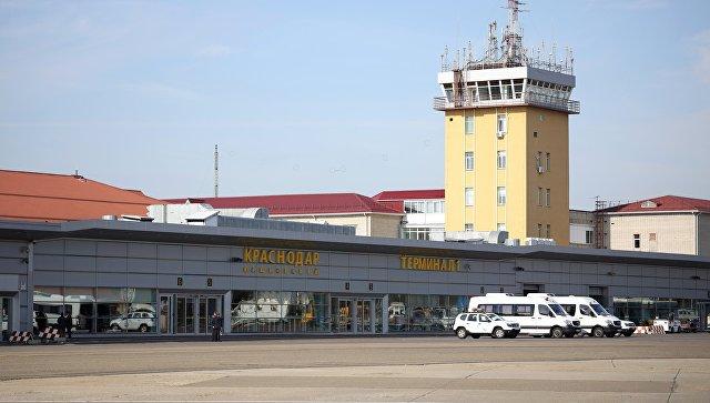 Самолет Сочи — Москва вынужденно сел в Краснодаре из-за пьяного дебошира