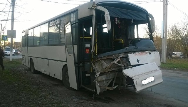 """Попавший в ДТП в Иваново автобус вез людей в """"шоп-тур"""", сообщил источник"""