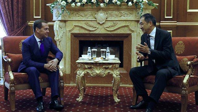 Премьеры России и Казахстана обсудили перспективы увеличения товарооборота
