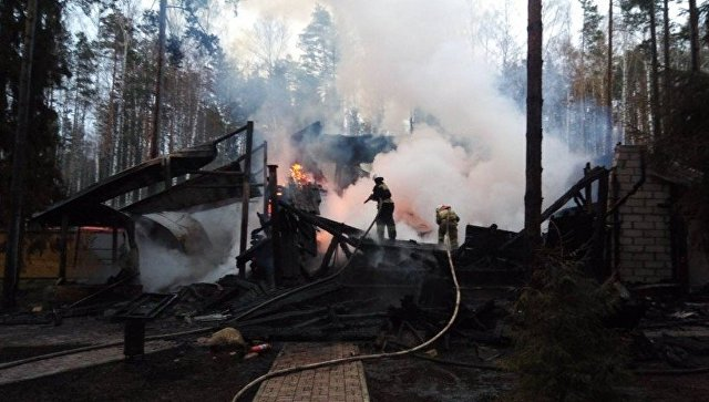 Под Нижним Новгородом ребенок пропал без вести при пожаре на базе отдыха