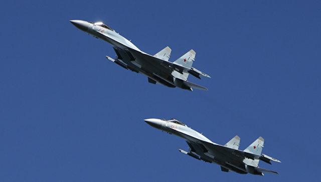 Многофункциональные истребители Су-35. Архивное фото