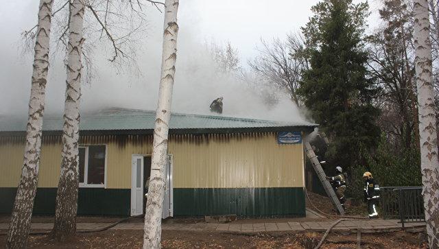 В Оренбурге потушили пожар в детском центре