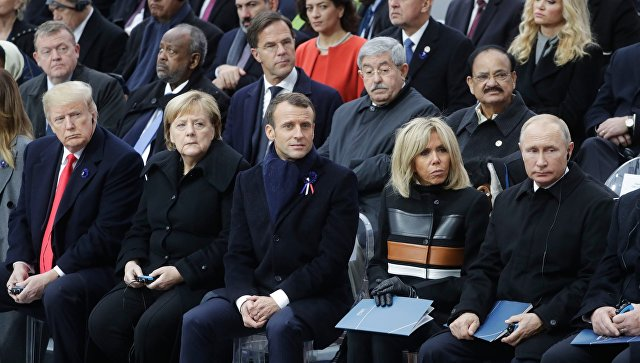 Russian President Vladimir Putin at a memorial ceremony at the Arc de Triomphe in Paris.  Archival photo