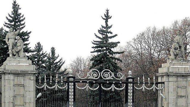 Ограду и ворота Московского аэровокзала признали памятником архитектуры