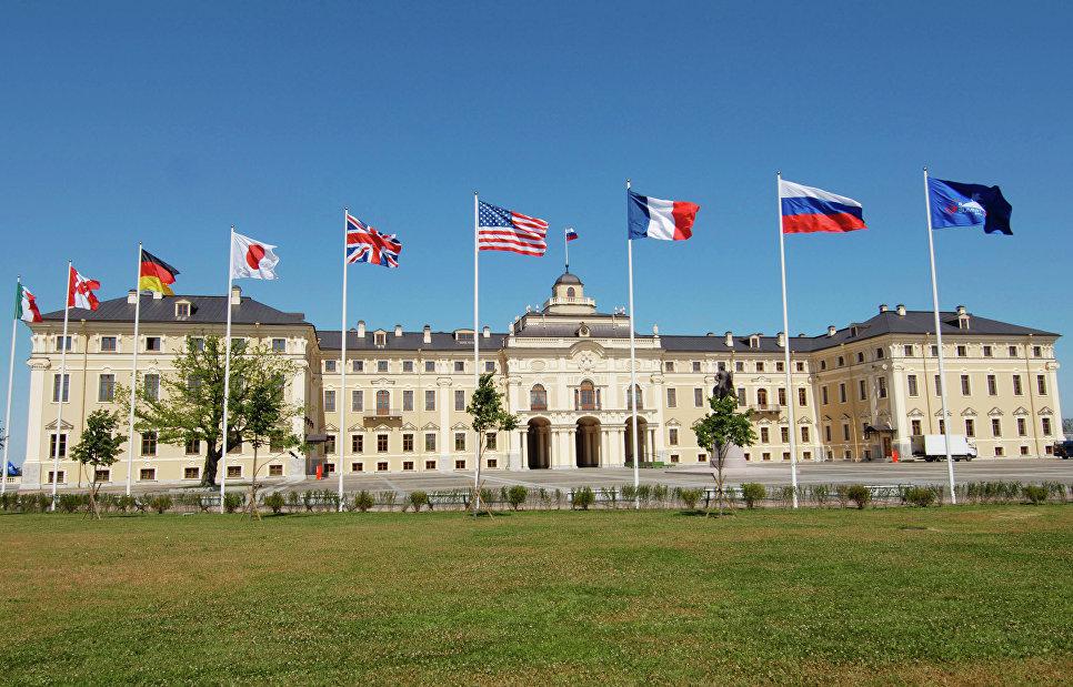 Константиновский дворец накануне саммита  «Группы восьми».