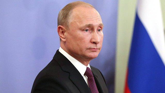 Путин объяснил отказ от общения с Порошенко по телефону