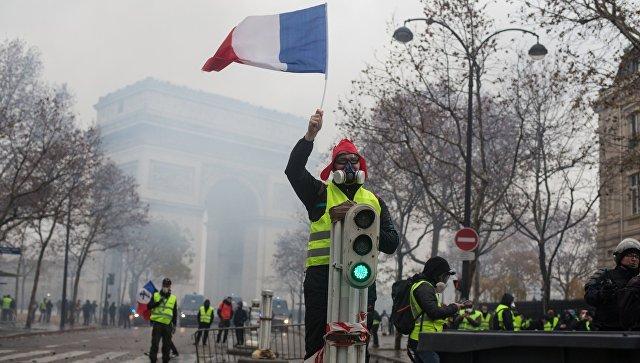 """В Сети высмеяли двойные стандарты для """"майданов"""" во Франции и на Украине"""