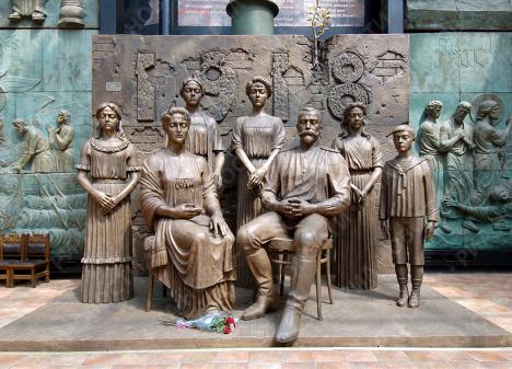Новая монументальная скульптурная композиция З.Церетели