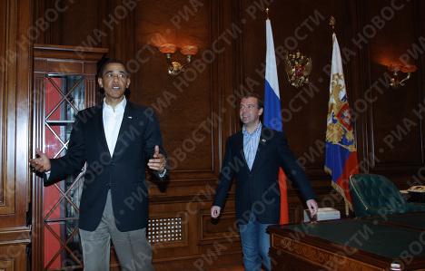 Президент РФ Дмитрий Медведев и президент США Барак Обама подмосковной резиденции Горки.