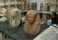 Египетский скульптор Мустафа аль-Изаби воссоздал точные копии сокровищ гробницы Тутанхамона