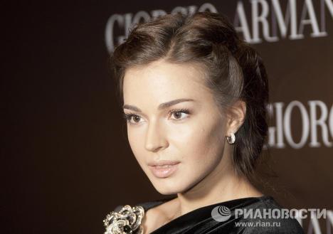 Актриса Агния Дитковските перед показом новой коллекции Д.Армани Armani Prive