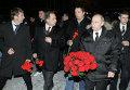 В.Путин возложил цветы к могиле Егора Свиридова