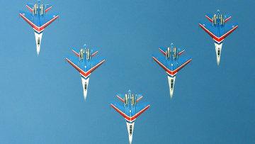 Тренировочные полеты пилотажных групп ВВС. Архив
