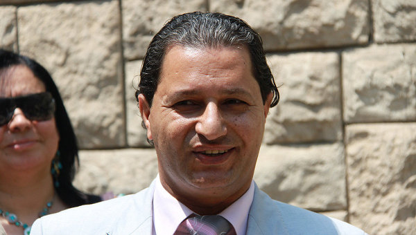 Автор памятника известный египетский скульптор Усама ас-Серви