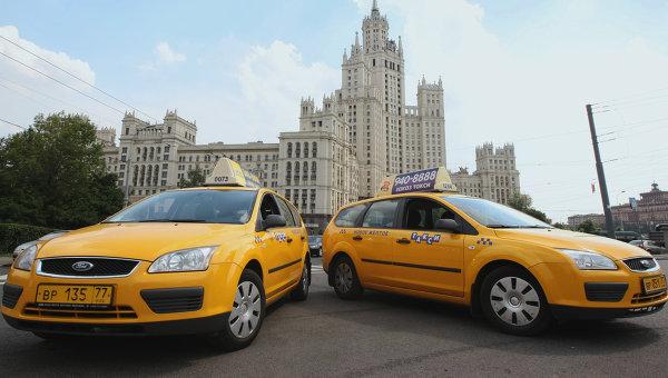 Московских таксистов заставят учить английский