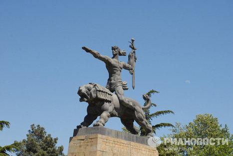 Монумент Победы в городе Гори