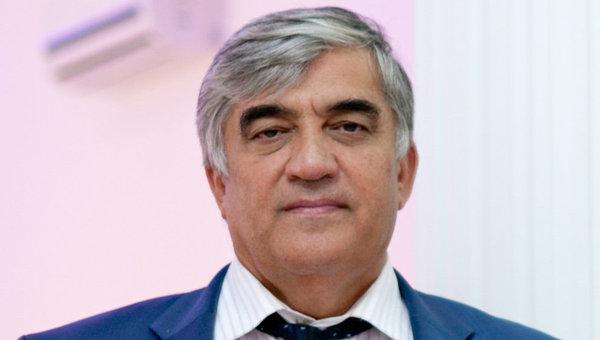 Чеченский поэт и общественно-политический деятель Руслан Ахтаханов
