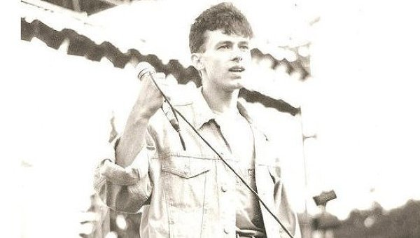 Первый солист группы Ласковый май Юрий Гуров. Архив