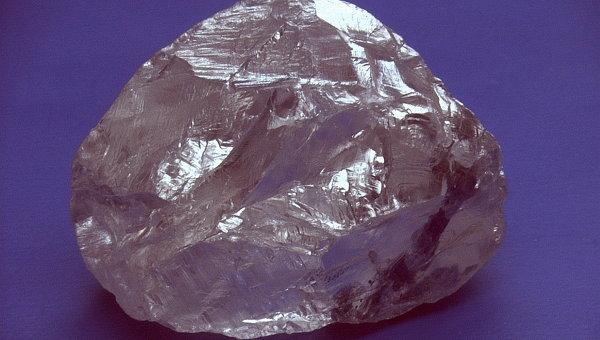 Алмаз массой 158,2 карата. Архивное фото