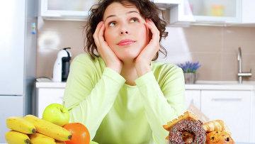 Девушка на диете, архивное фото