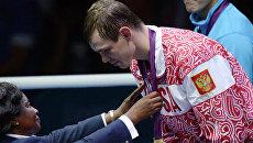 Российский боксер Егор Мехонцев, завоевавший золотую медаль на соревнованиях по боксу