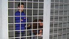 Навальный и Яшин за решеткой. Видео из отделения полиции