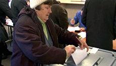 Россияне в Цхинвали и Минске голосуют на выборах в Госдуму