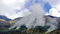 Вулкан Папандаян в провинции Западная Ява в Индонезии. Архив