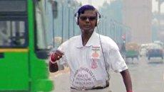 Человек-рак из Индии пробежал полторы тысячи километров задом наперед