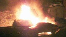 Две иномарки сгорели в городе Кингисеппе Ленинградской области