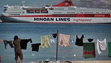 Беженцы в порту Бенгази. Архивное фото