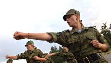 Студентки Рязанского высшего воздушно-десантного командного училища имени генерала армии В.Ф.Маргелова. Архивное фото